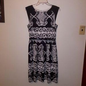 Rabbit Rabbit Rabbit Brand Dress Petite Black & Wh